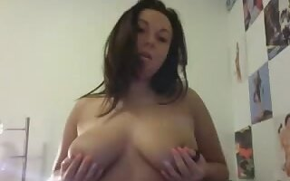Ana 19yo USA Hot Chick reveals lush boobs