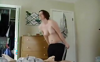 Nerdy chubby usa girl with hairy pussy gets naked to ride and doggystyle fuck her bf