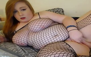 BBW dildoing her smooth pussy