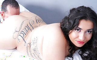 Latina Plumper Agatha Ludovino Gets a Rough Arse Pounding by Her Masseur