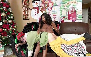 Thick ebony collects say no to skill from Santa